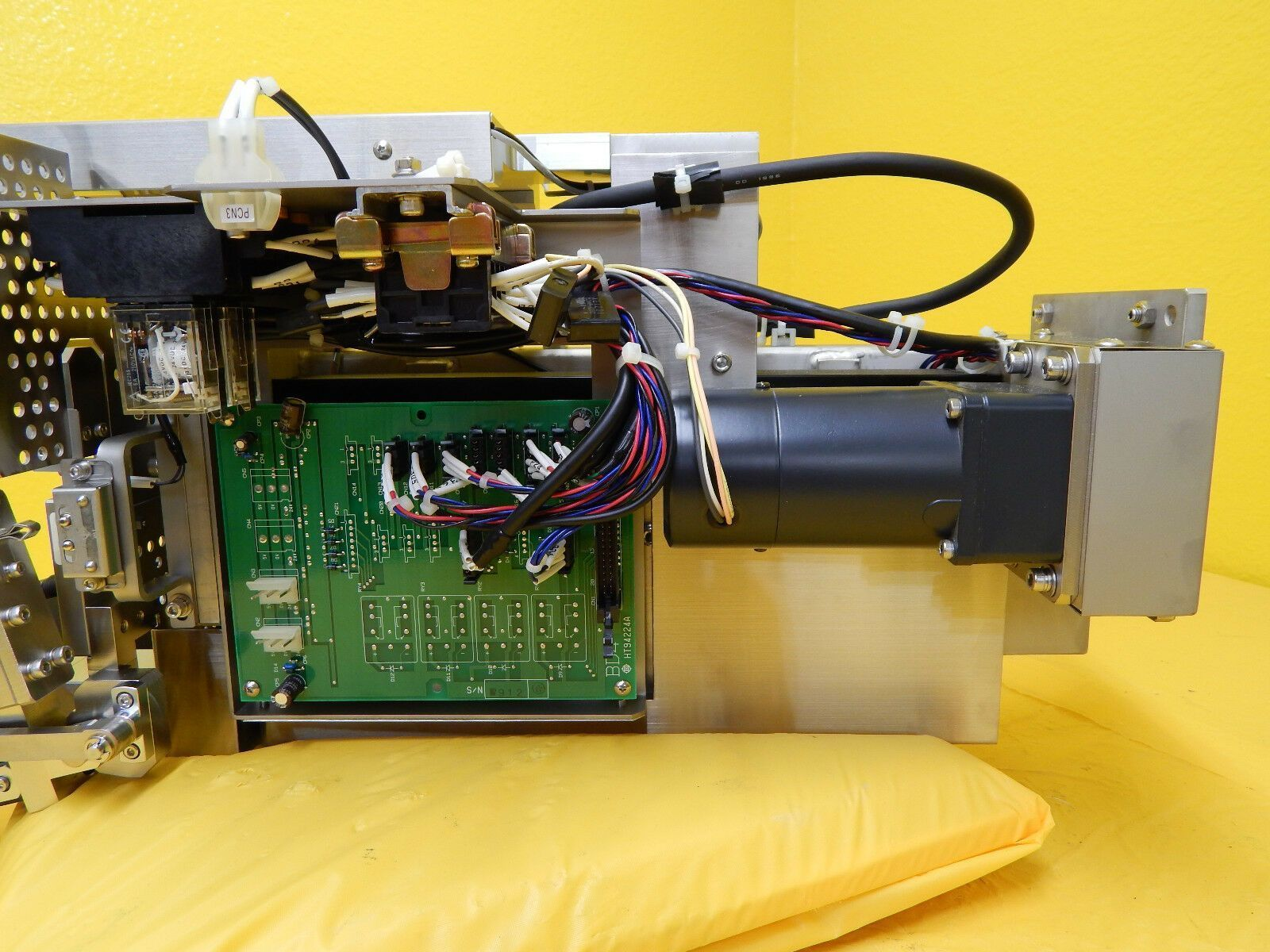 Hitachi M-511E Microwave Plasma Etching System Mapping Sensor Robot Used Working