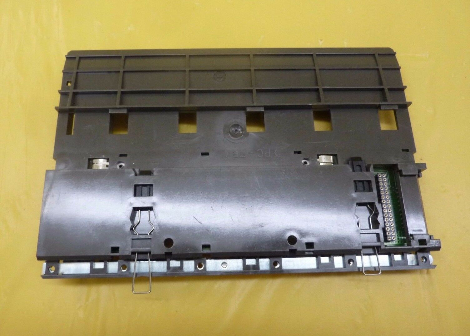 AEG DAP 218/AS-BDAP-218 Modicon PLC Secondary Rack DAP 208/AS-BDAP-208 Used