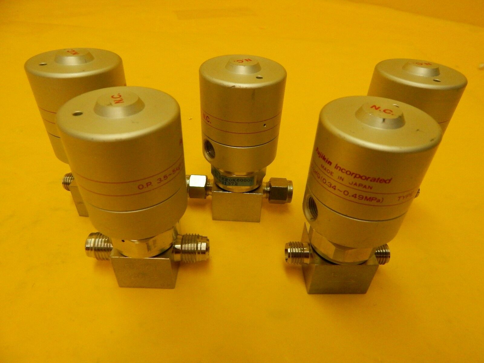 Fujikin RKE0K6000 Pneumatic Valve 021372 Normally Closed Reseller Lot of 5 Used