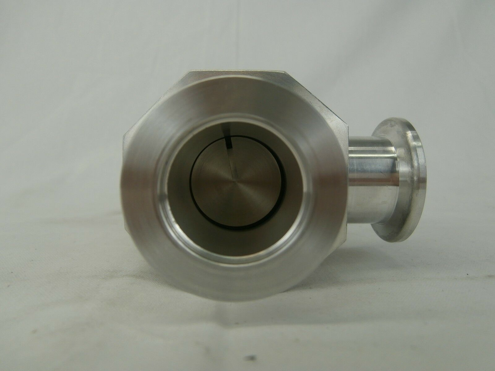 VAT 26328-KA01-0001 Manual Right Angle Vacuum Valve Used Working