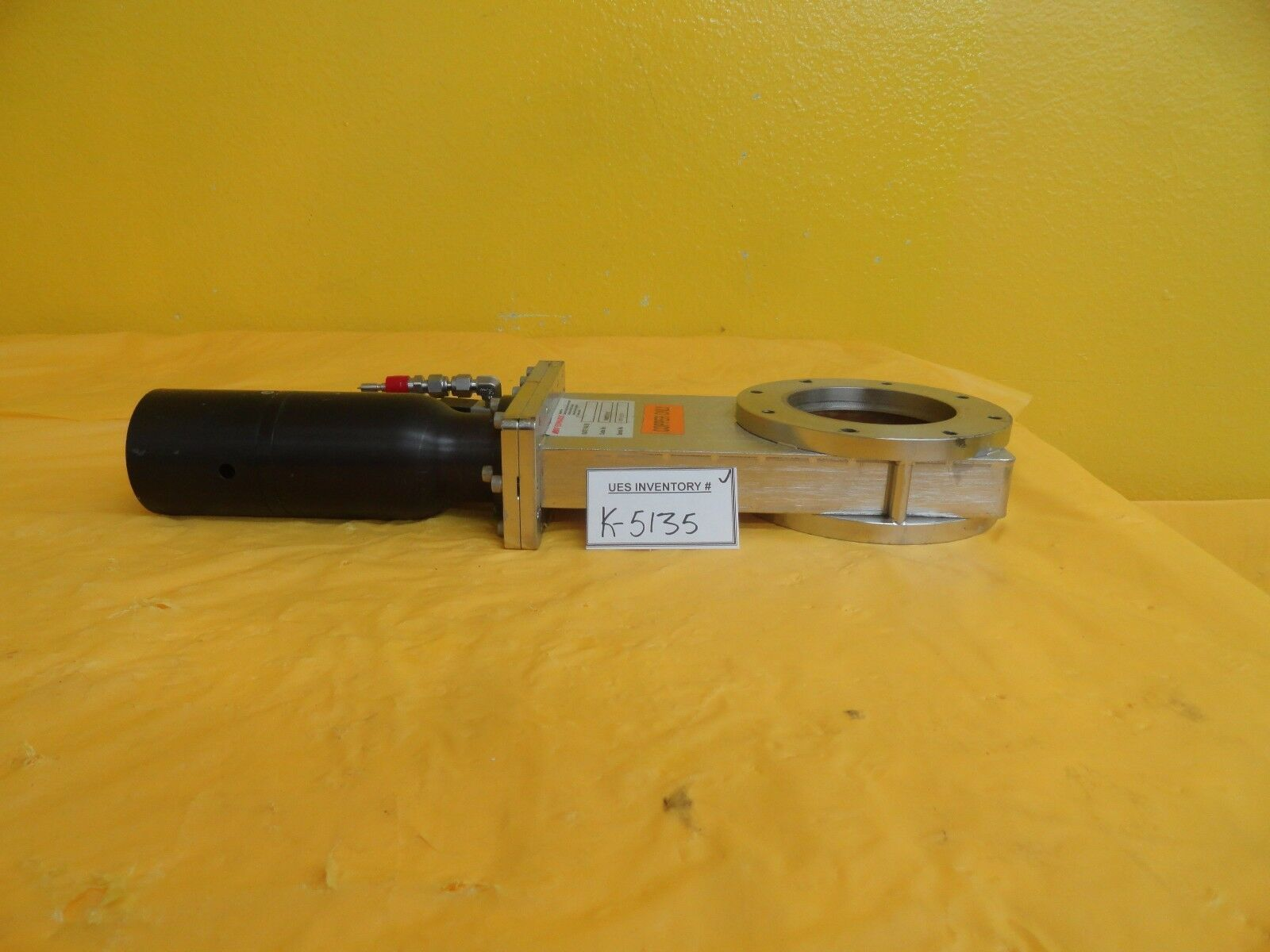 Edwards NGW73000 Pneumatic Gate Valve Assembly Untested As-Is
