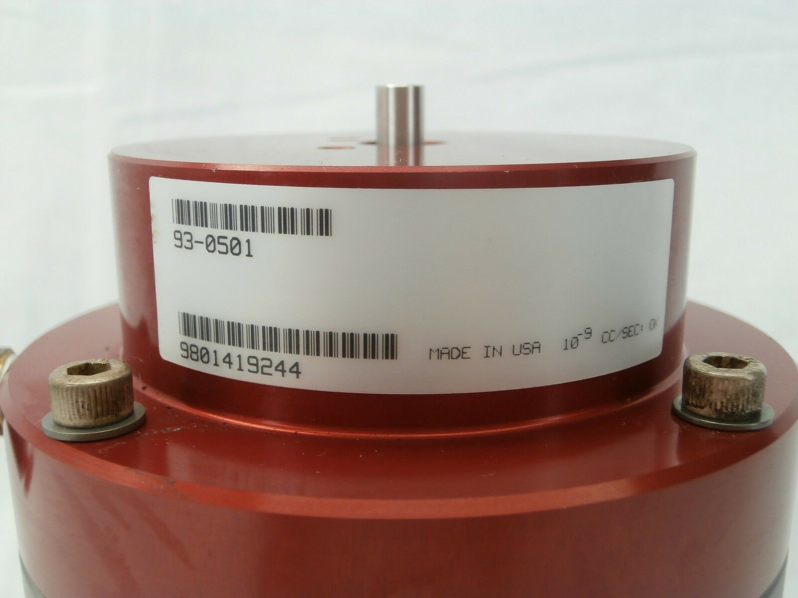 MKS Instruments 93-0501 Ultra High Vacuum Right Angle Two-Stage Pneumatic Valve