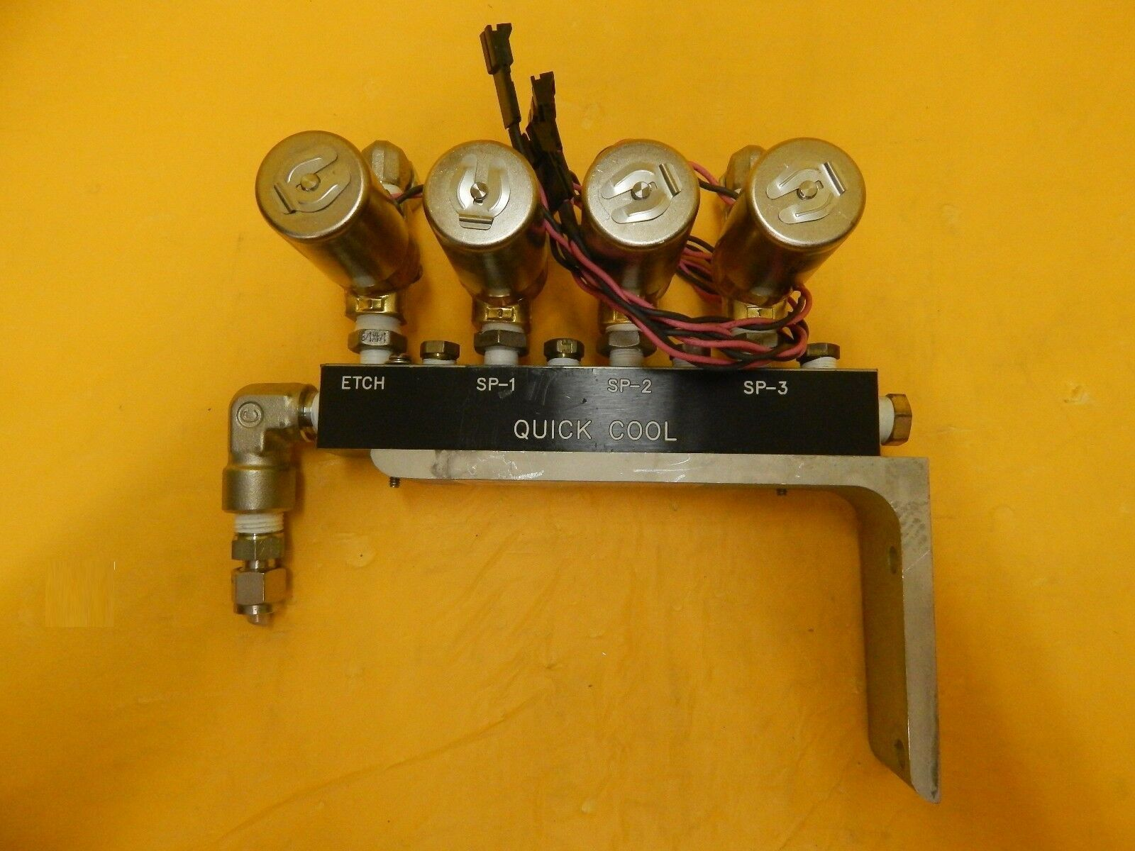 MRC Materials Research A118037 Pneumatic Manifold VDW31-5G-4 Set of 2 Star Used