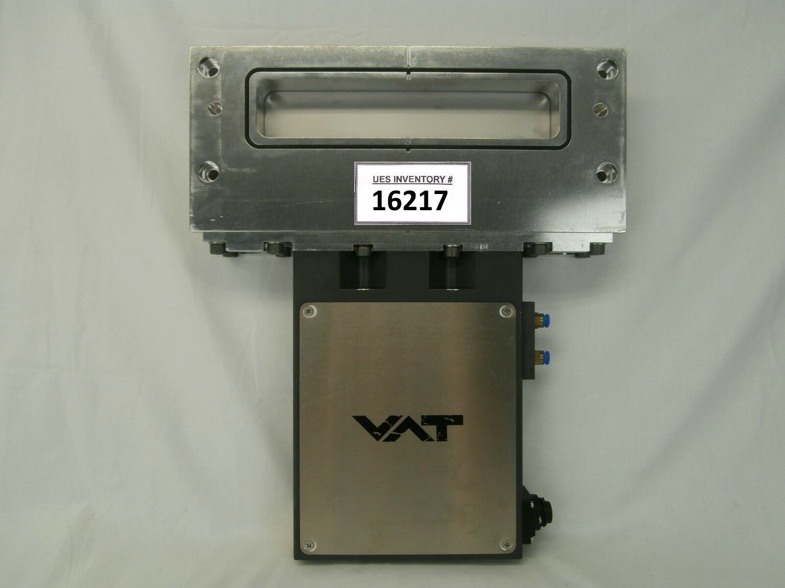 VAT 02010-BA24-1003 Pneumatic Vacuum Slit Valve Used Working