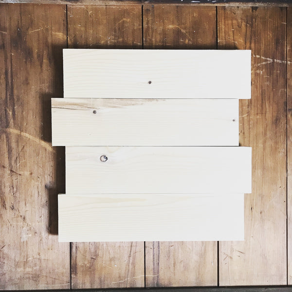 "13""x14"" Staggered Blank Wooden Pallet Signs (Smooth and Ready to Paint)"