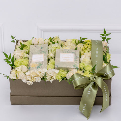 CANDLE & HOME SPRAY FLOWER BOX