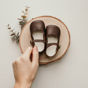 brown leather crib shoes, beige insides, single strap
