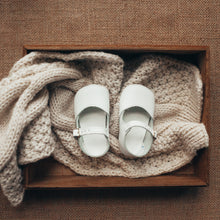 Load image into Gallery viewer, white leather crib shoes, single strap