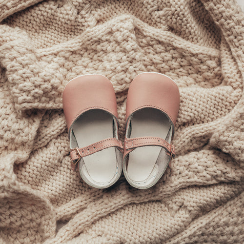 pink leather crib shoes, beige sole, single strap