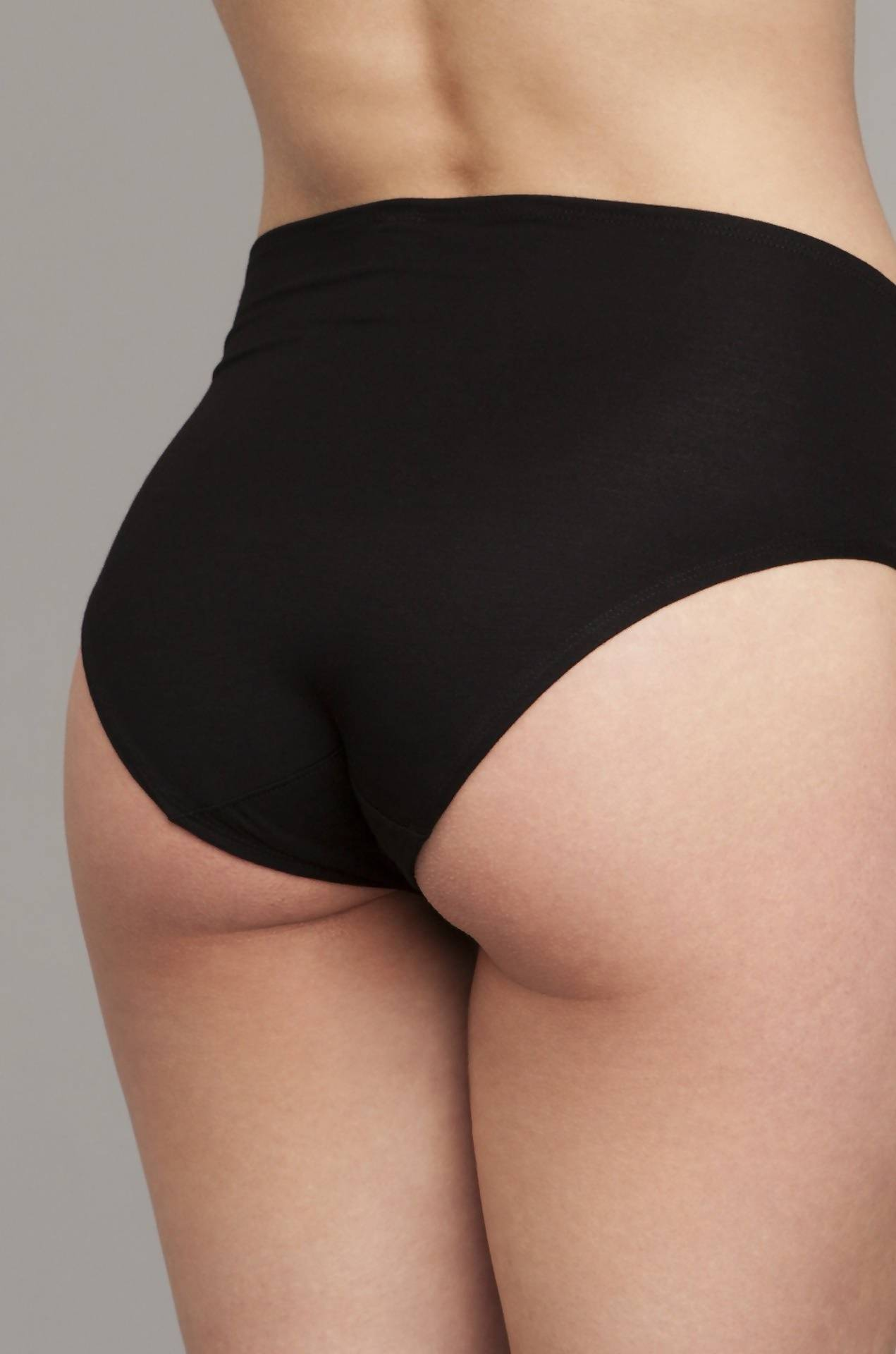 The Bonnie- High-Rise Retro Brief in Black