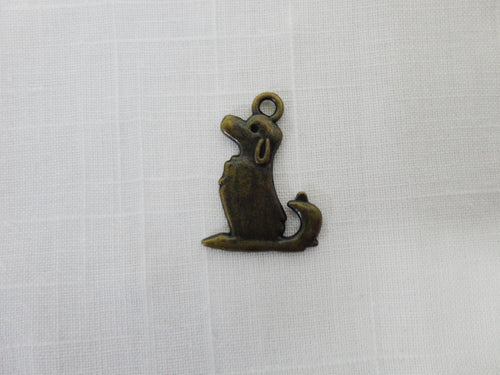 Bronze Dog Finding, Charm