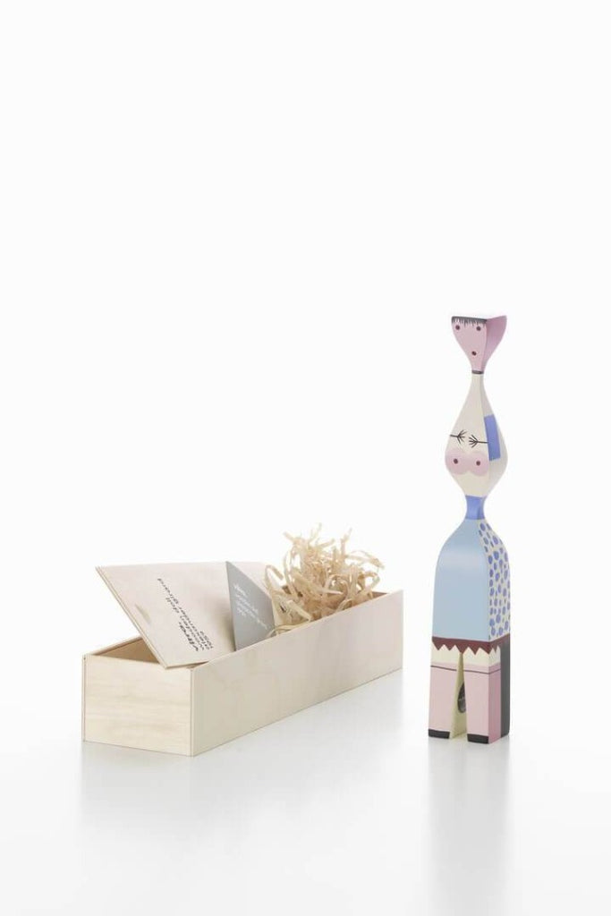Vitra Fa bábu | Wooden doll No. 7 | Solinfo Shop
