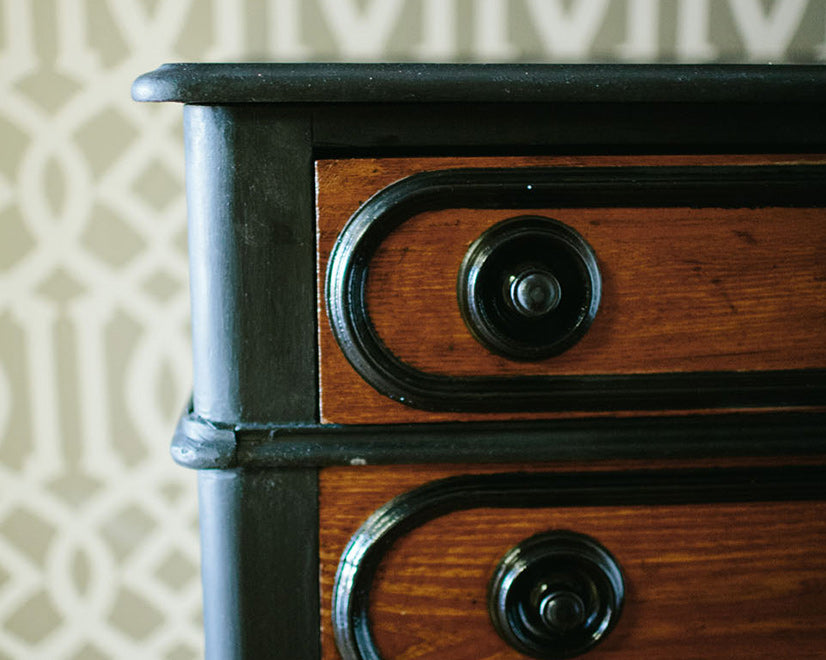 STEP BY STEP: BLACK DRESSER