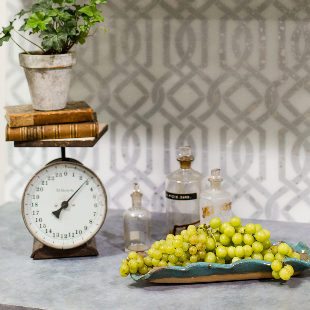 Create Patterned Backsplashes & Glass Surfaces With Lacquer