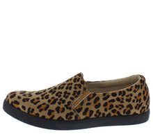 Load image into Gallery viewer, Cali1 Cheetah Round Toe Slip On Loafer Flat