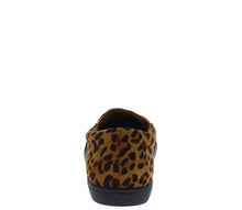 Load image into Gallery viewer, Cali1 Leopard Round Toe Slip On Loafer Flat