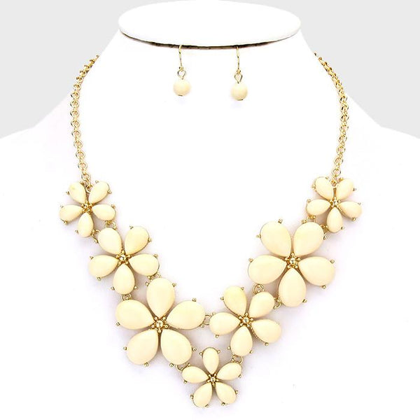 IVORY FLOWER BLOOM STATEMENT NECKLACE AND EARRING SET
