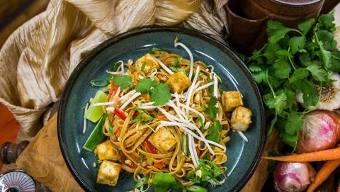 Recipe: TOFU PAD THAI by Mena Massoud