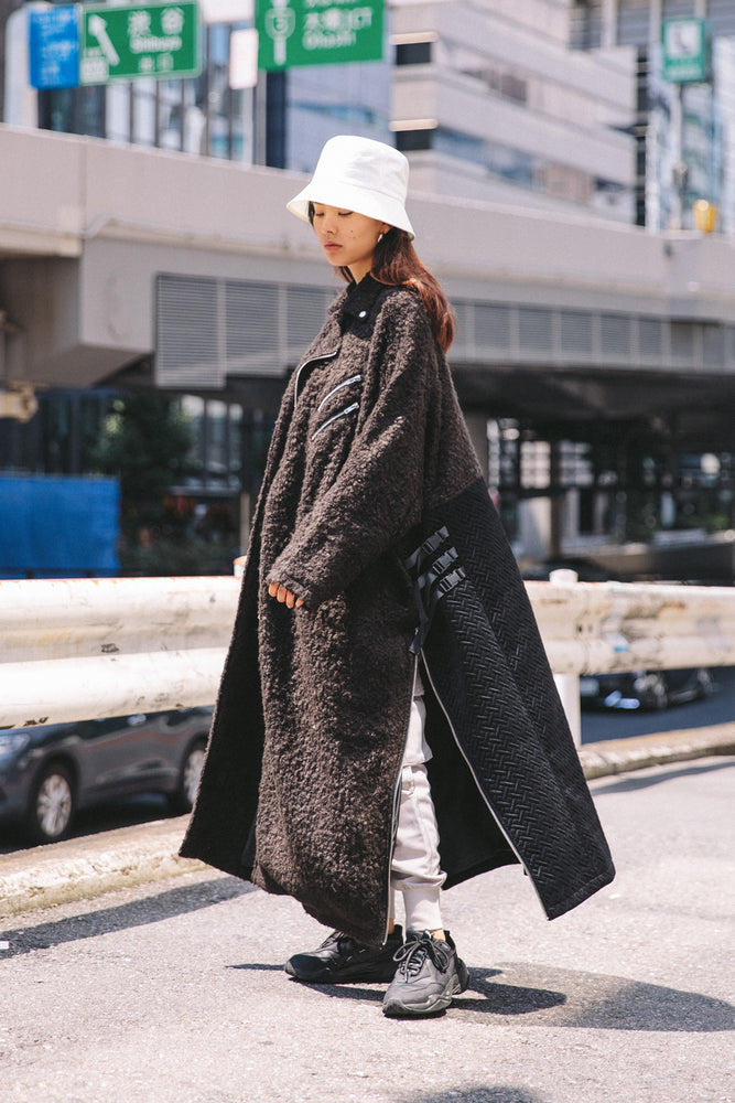 SWITCHING FLUFFY COAT / BLACK