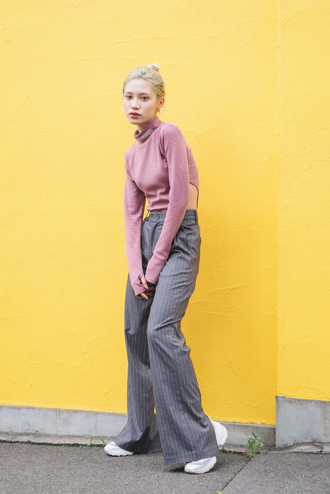 BACK SLIT STRIPE PANTS / GRAY