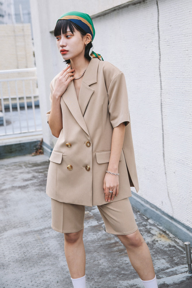 HALF SLEEVE SLIT JACKET / BEIGE