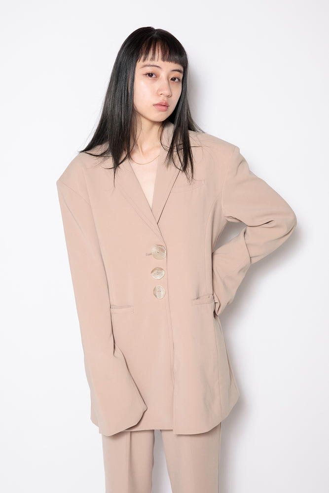 TRIPLE BUTTON JACKET / BEIGE