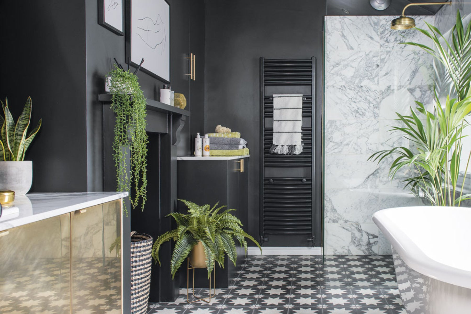 Plant Style: A Beautiful and Functional Bathroom