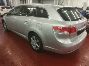 Toyota Avensis Break 1.6 essence manuelle 05 / 2009