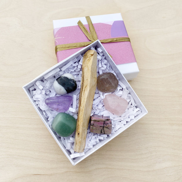 High Vibe Lovin' Feelings Crystal & Palo Santo Ritual Kit