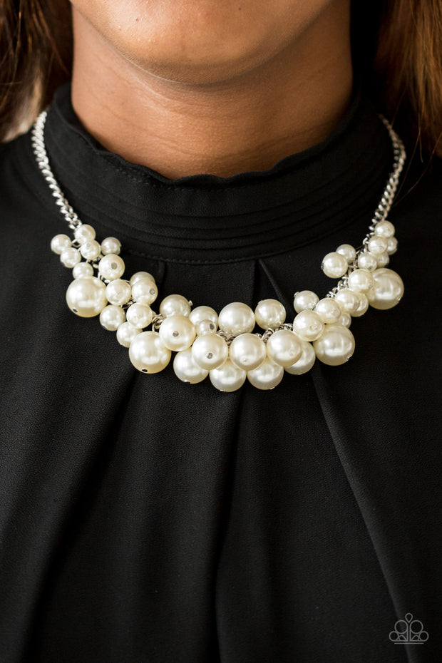 Paparazzi Glam Queen White Necklace - Glitzygals5dollarbling Paparazzi Boutique