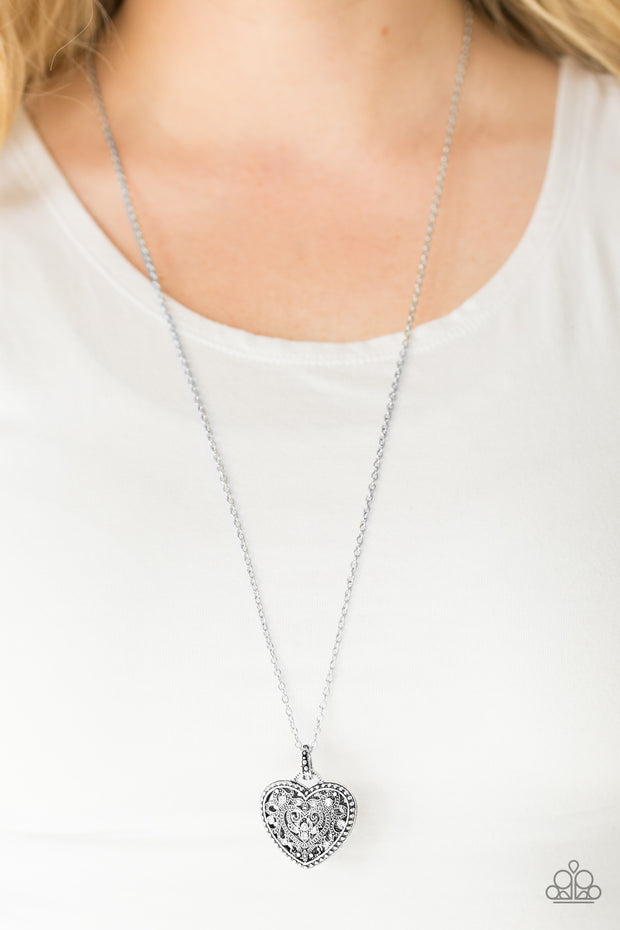 Paparazzi Charmingly Casanova White Necklace - Glitzygals5dollarbling Paparazzi Boutique