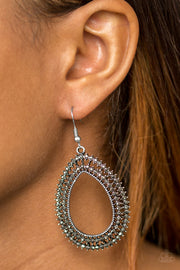 Paparazzi Award Show Sparkle Silver Earrings - Glitzygals5dollarbling Paparazzi Boutique