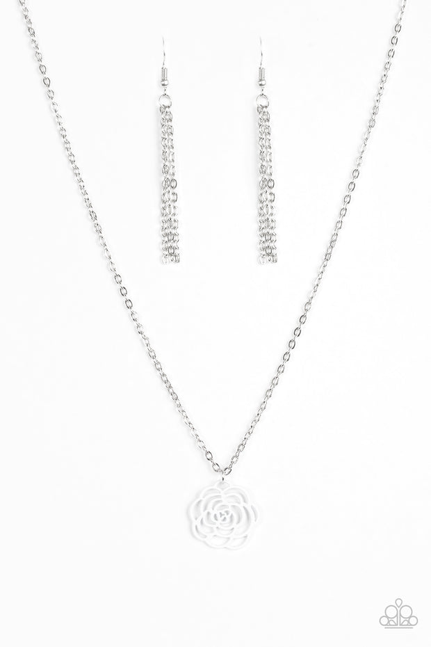 Paparazzi Blossom Bliss White Necklace - Glitzygals5dollarbling Paparazzi Boutique
