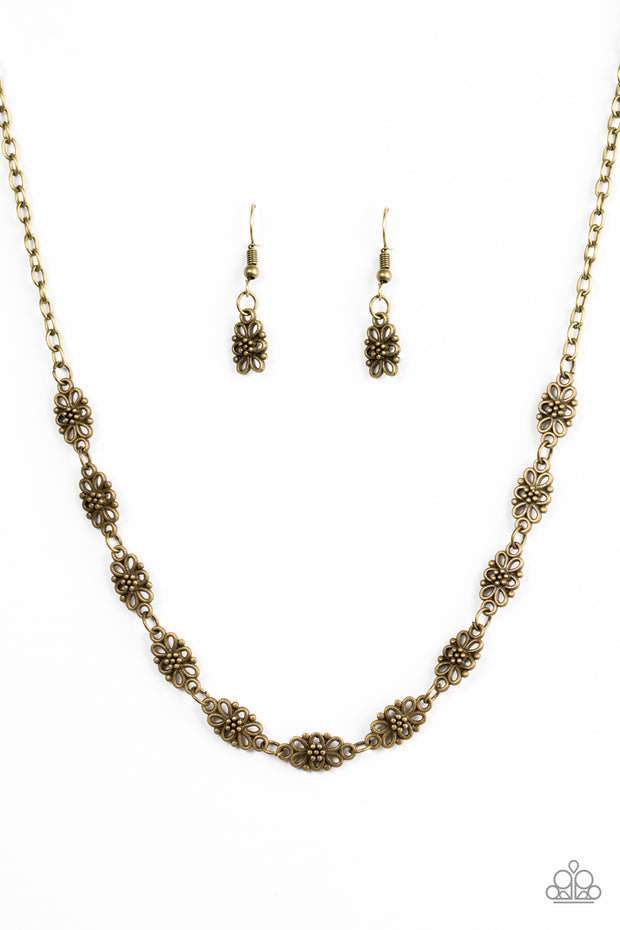 Daisy Dream Brass Necklace - Glitzygals5dollarbling Paparazzi Boutique