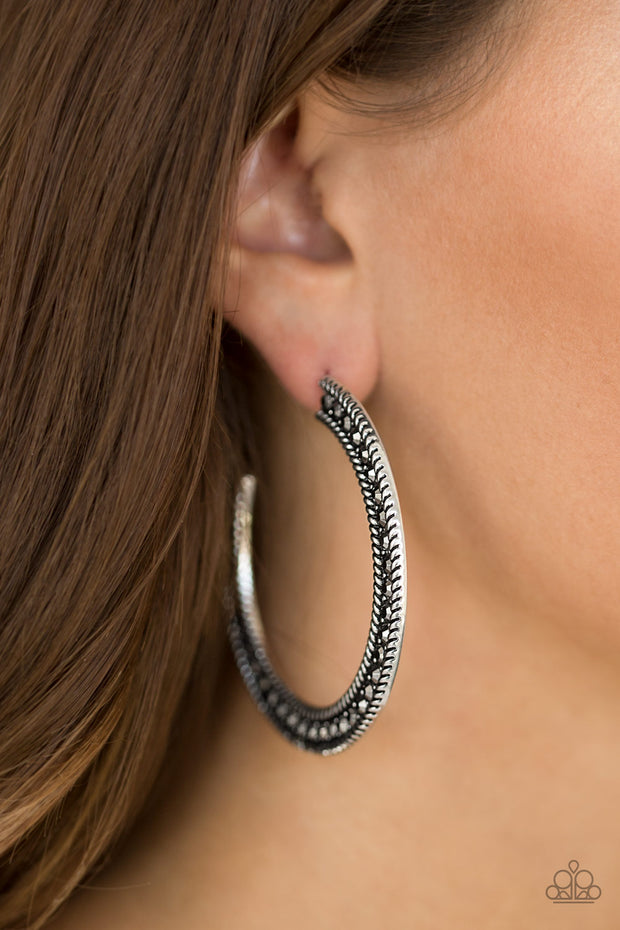 Paparazzi HAUTE Mama Silver Earrings - Glitzygals5dollarbling Paparazzi Boutique