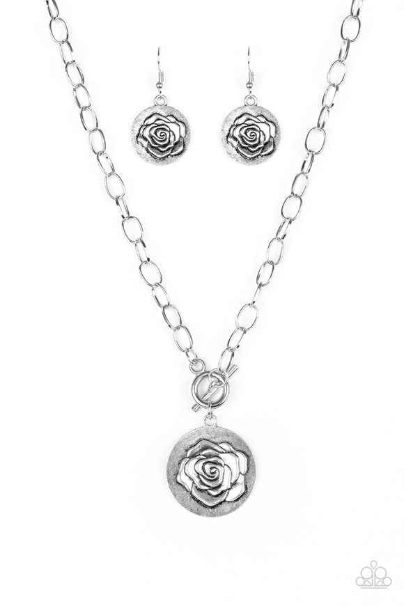 Paparazzi Beautifully Belle Silver Necklace