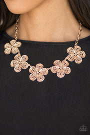 Paparazzi No Common Daisy Rose Gold Necklace - Glitzygals5dollarbling Paparazzi Boutique