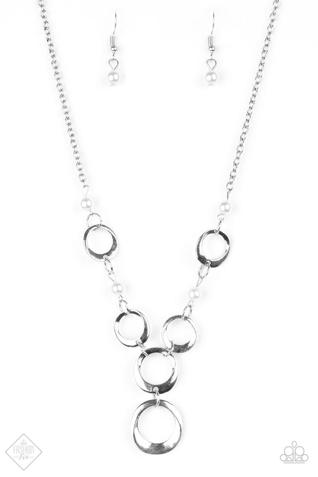 Paparazzi Perfectly Poised White Necklace - Glitzygals5dollarbling Paparazzi Boutique
