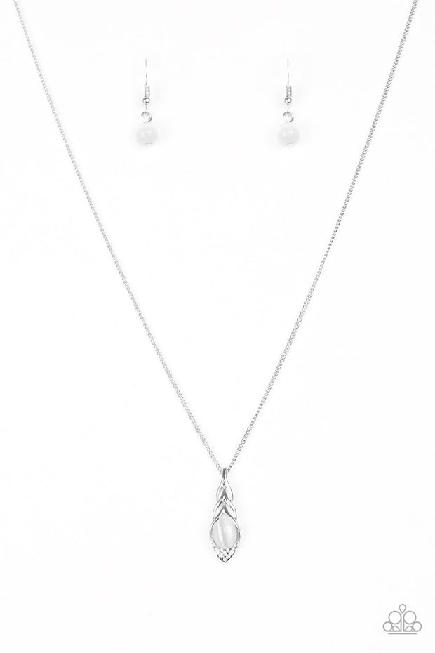 "Paparazzi ""First Class Flier"" White Necklace - Glitzygals5dollarbling Paparazzi Boutique"
