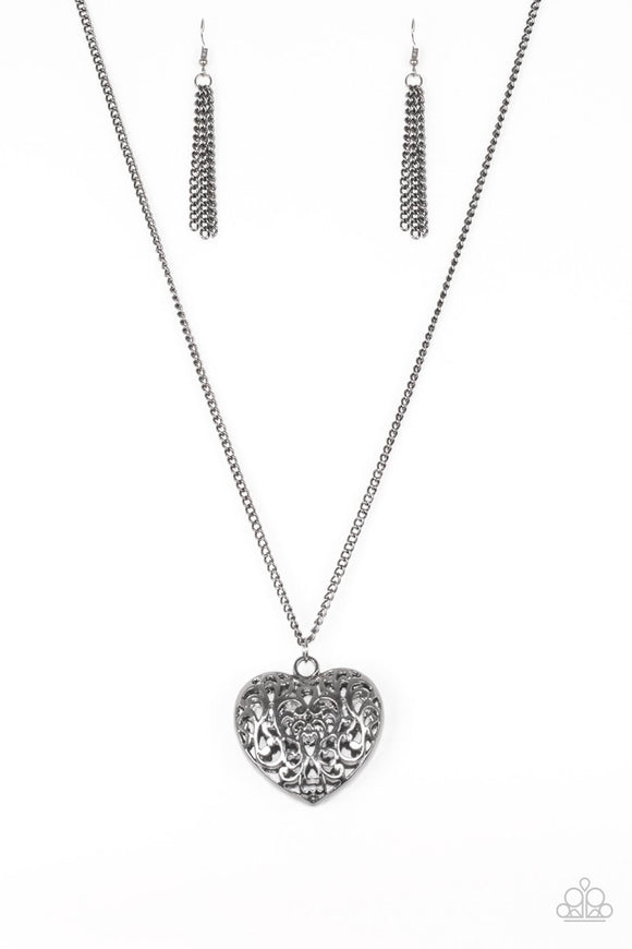 Paparazzi Victorian Virtue - Black - Heart Pendant - Necklace and matching Earrings
