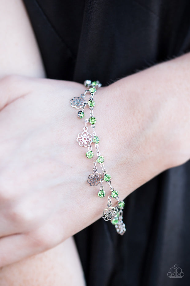 "Paparazzi ""Hibiscus Breeze"" Green Bracelet - Glitzygals5dollarbling Paparazzi Boutique"