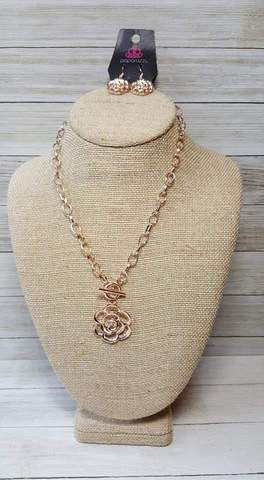 Paparazzi Beautifully in Bloom Rose Gold Exclusive Toggle Necklace - Glitzygals5dollarbling Paparazzi Boutique