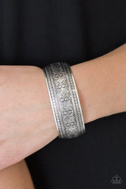 Paparazzi Gorgeously Gypsy - Silver Cuff Bracelet - Glitzygals5dollarbling Paparazzi Boutique
