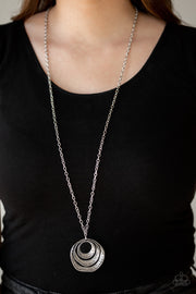 Paparazzi Breaking Pattern Silver Necklace - Glitzygals5dollarbling Paparazzi Boutique