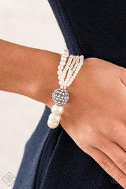 Paparazzi Show Them The DIOR - White - Bracelet - Trend Blend / Fashion Fix Exclusive June 2020 - Glitzygals5dollarbling Paparazzi Boutique