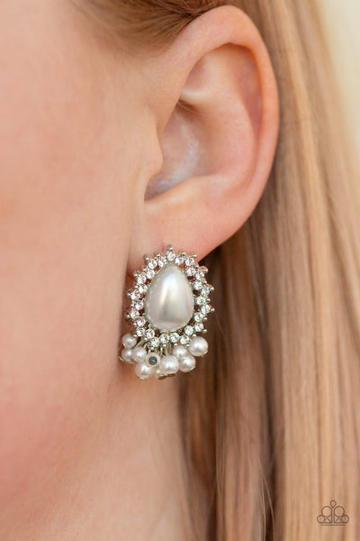 Castle Cameo - white - Paparazzi earrings