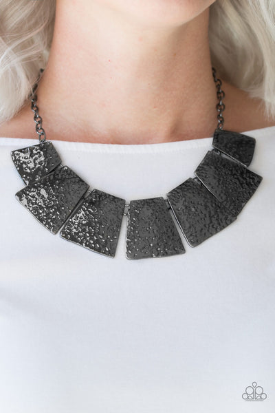 Paparazzi Here Comes the Huntress Black Necklace - Glitzygals5dollarbling Paparazzi Boutique