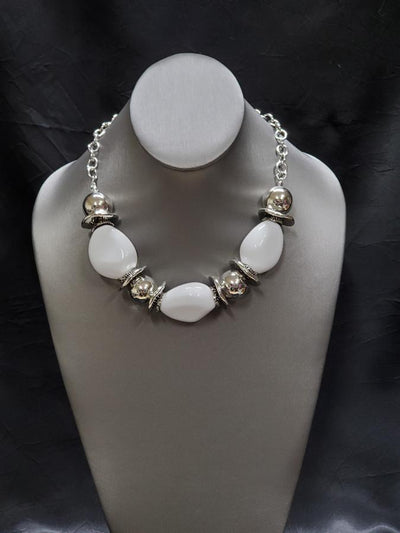 Exclusive Vivid Vibes White Chunky Necklace by Paparazzi - Glitzygals5dollarbling Paparazzi Boutique