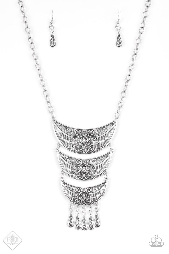 Paparazzi Go-STEER Crazy Silver Fashion Fix Exclusive Necklace