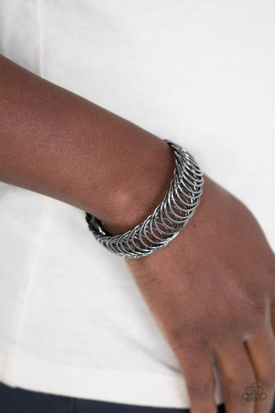 Paparazzi Dizzyingly Demure - Black - Gunmetal Glistening Rings - Flexible Bracelet - Glitzygals5dollarbling Paparazzi Boutique